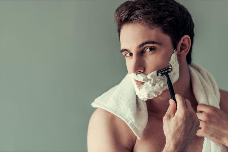 顔脱毛は毛穴の開き・シミにも効果あり?顔脱毛の美肌効果を徹底解説