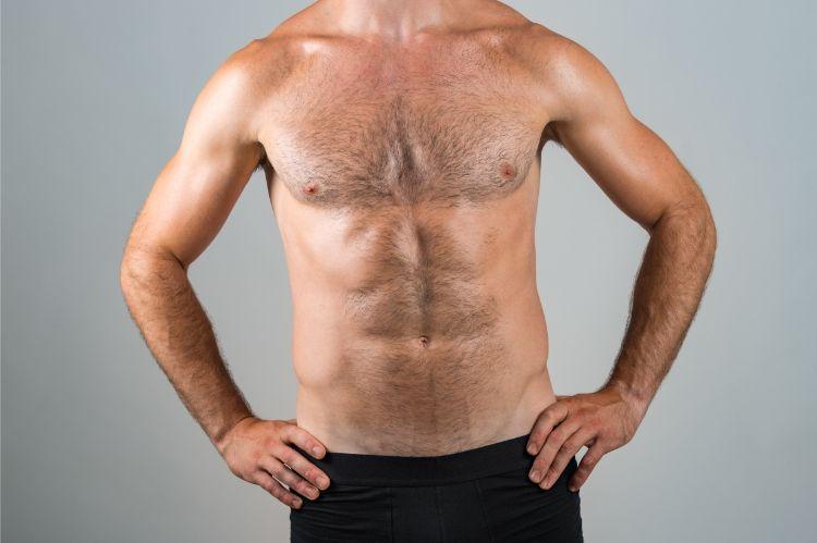 男性の胸毛